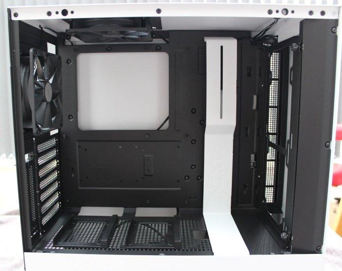 NZXT H500i inside