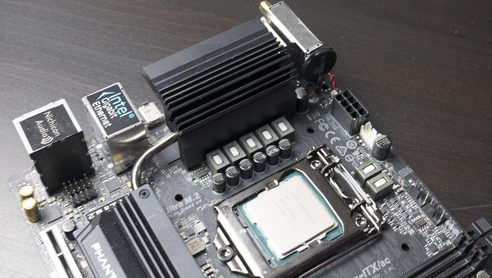 ASRock Z390 Phantom Gaming-ITX/ac Motherboard Review | Play3r