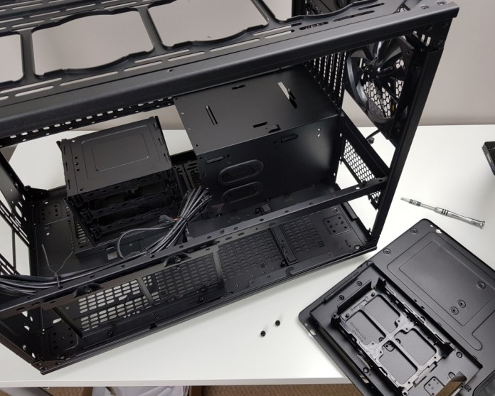 Thermaltake Level 20 XT Motherboard Tray