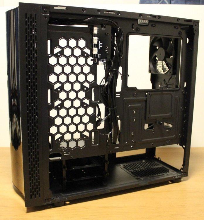 tt view 23 TG ARGB case cabling area