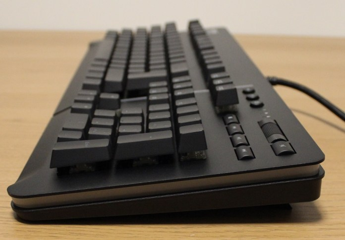 TT Level 20 Mechanical Keyboard right profile