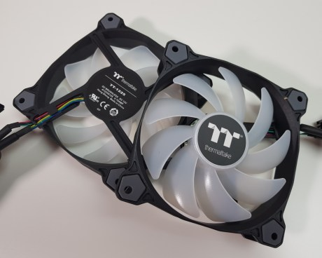 Thermaltake Water 3.0 360 fans