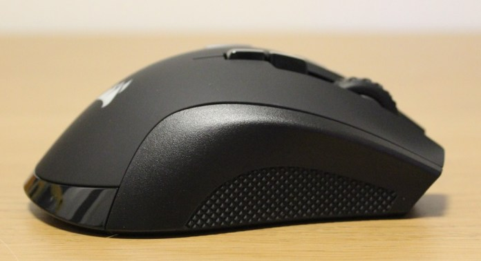 Corsair Ironclaw RGB Wireless right