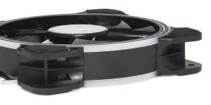 Foam corner pads on an Alphacool Eiszyklon Aurora LUX PRO 2 120mm fan