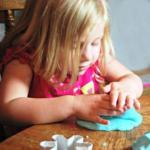 Playdough–the All-Around Ideal Material