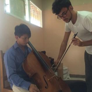 Beim Cello-Unterricht 2