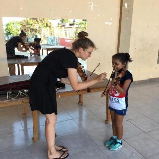 Lea gibt Geigenunterricht (Mai 2019)