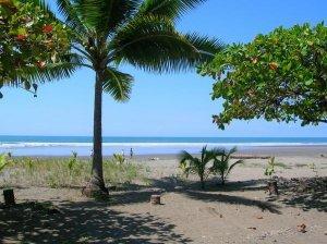 Playa Esterillos, Este, Centro y Oeste