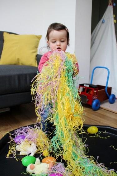 Easter-Egg-Hunt-Sensory-Basket-4