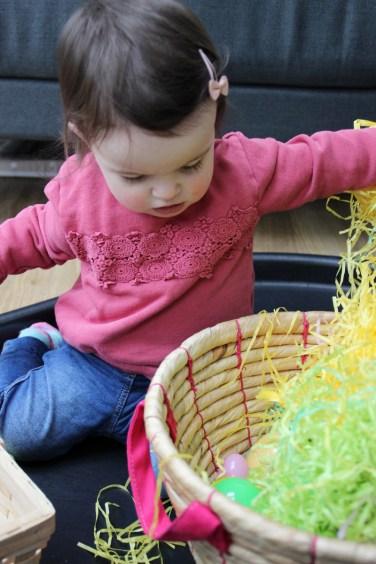 Easter-Egg-Hunt-Sensory-Basket-9