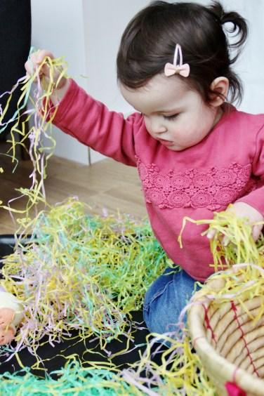 Easter-Egg-Hunt-Sensory-Basket