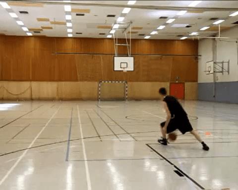 007 Basics – Handwechsel durch die Beine