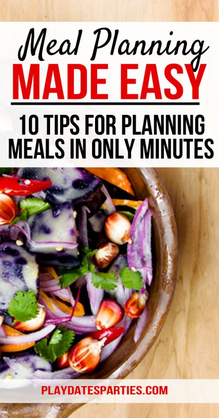 Would you LOVE the idea of making meal planning quick and easy? Click through to find 10 tips that help us plan a whole month of dinners in as little as 30 minutes! #monthlymealplanning #mealplanning #organization #dinner