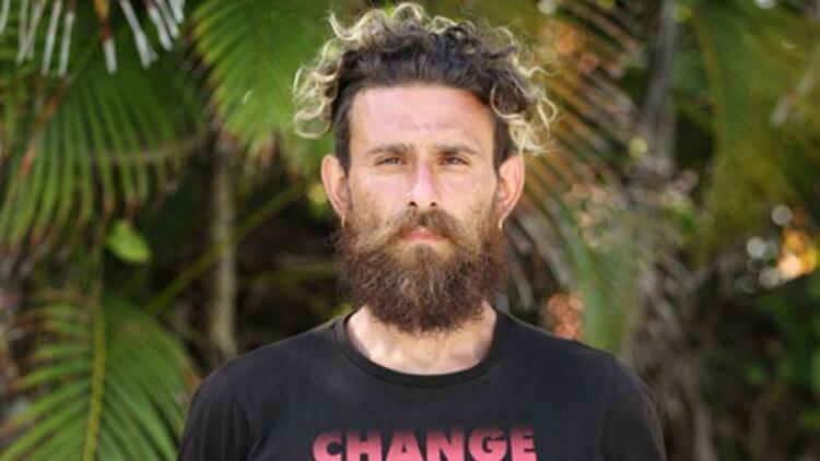 Survivor yarışmacısı Bulut Özdemiroğlu, espor oyuncusu oldu