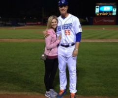 Noah Syndegaard's Girlfriend Samantha Van Veen