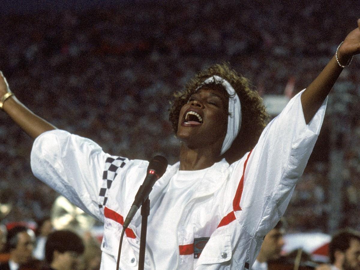 Whitney Houston singing live