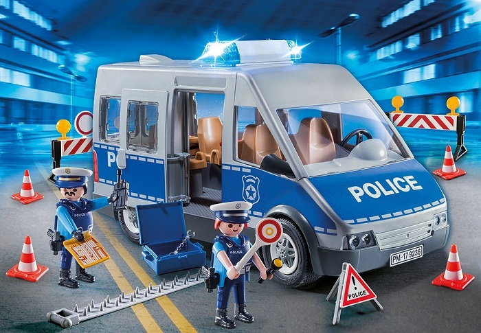 click to het the price to playmobil ne police car