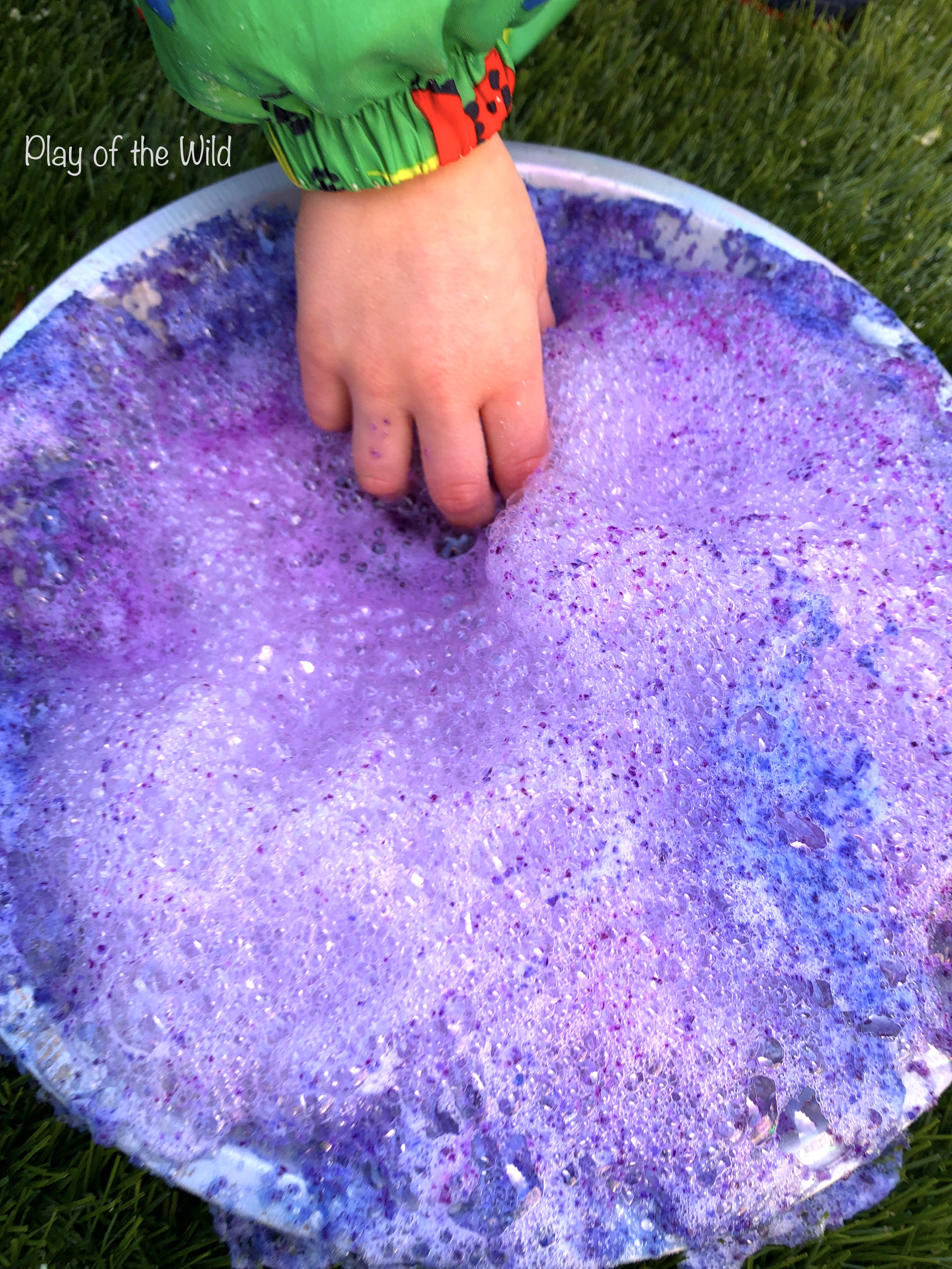 baking soda and vinegar science experiment for kids - colour changing