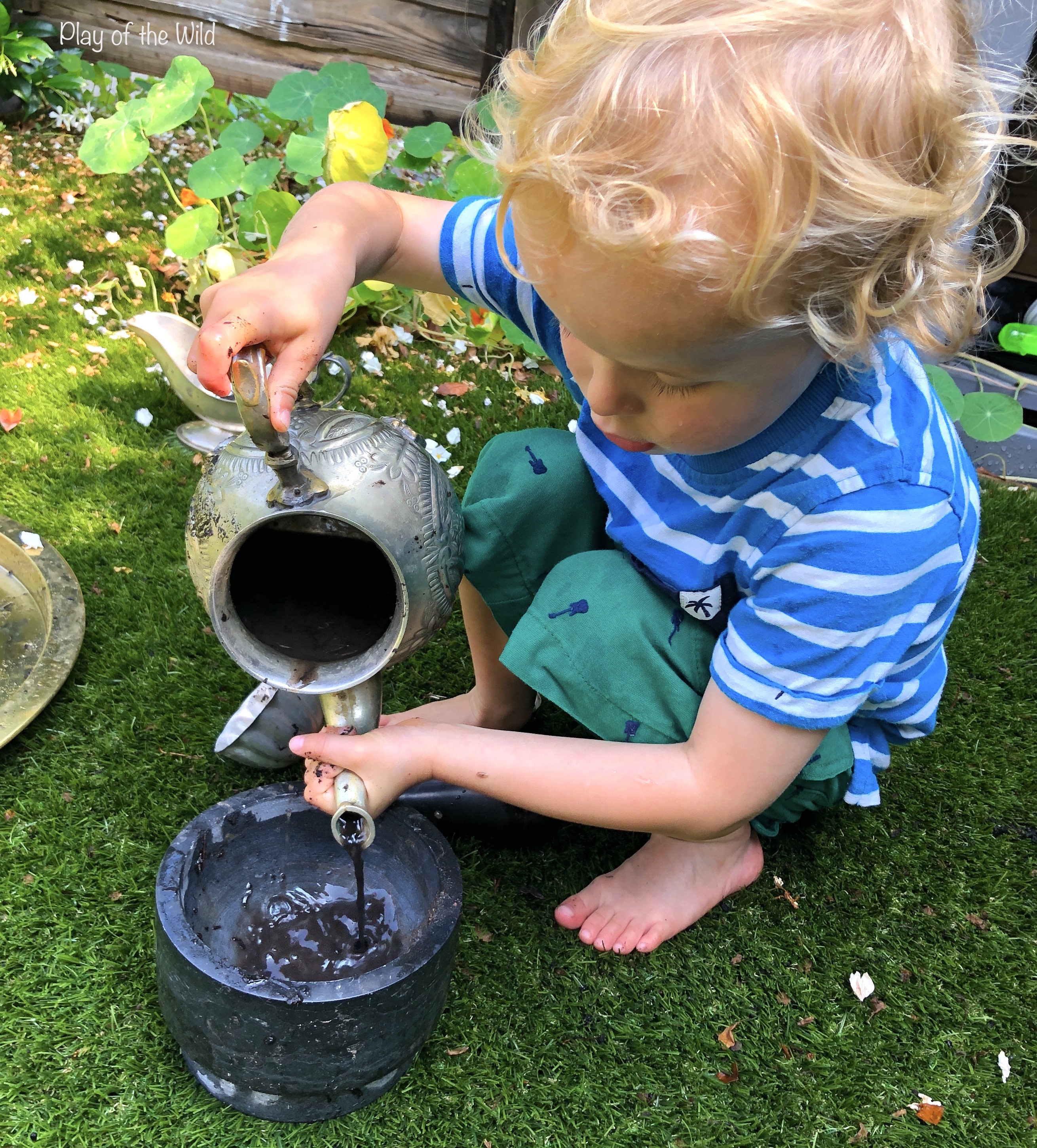 measuring, volume, capacity in eyfs mud kitchen
