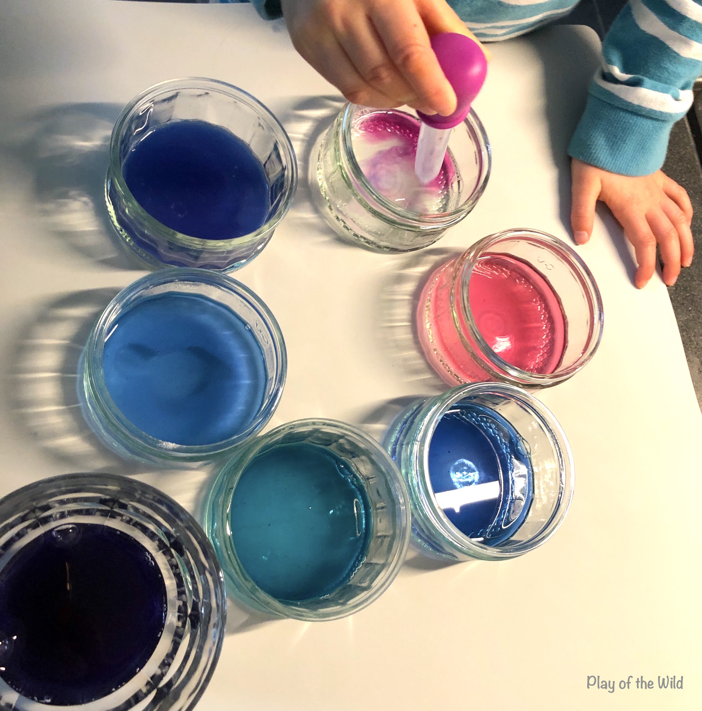 see different cabbage juice pH. Acid and Base Experiment- What is Ph for Kids.