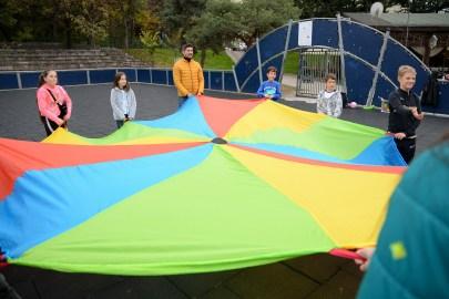 jocuri parasuta colorata play party