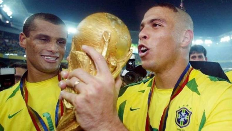 Ronaldo holding the world cup