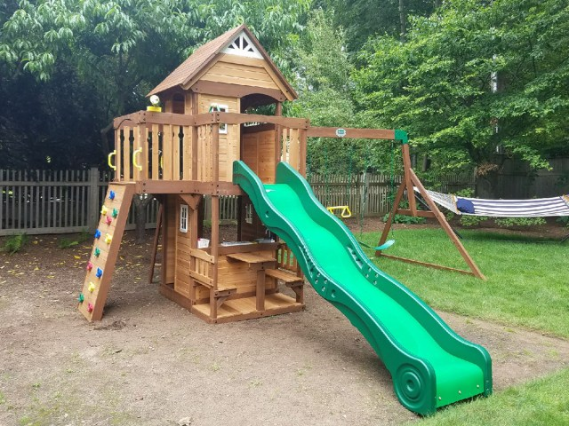 Backyard Discovery Mount Triumph Playset Assembly
