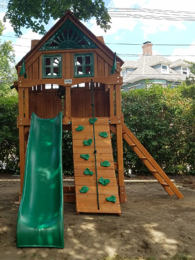 Gorilla Chateau Playset Assembly