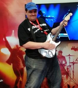 Frank beim Rockband 4 spielen