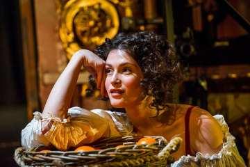 Nell Gwynn at the Apollo Theatre. Photo credit Tristram Kenton 04