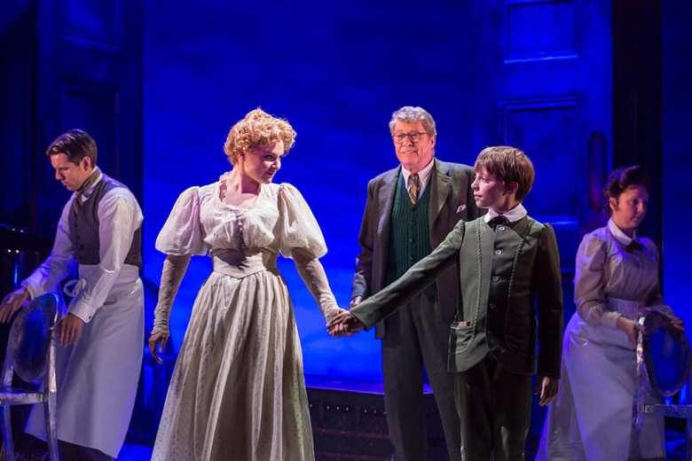 The Go-Between Apollo Theatre (Helen Maybanks) 2