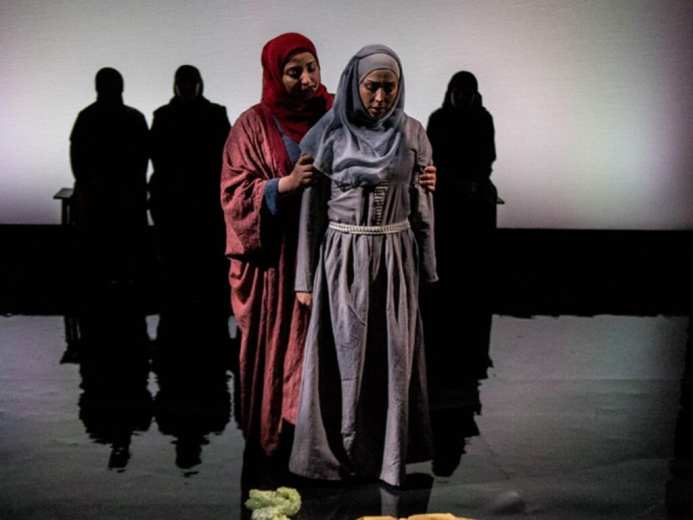 Queens of Syria at the Young Vic