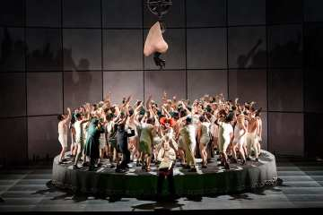 the-nose-at-royal-opera-house-roh-photo-by-bill-cooper-04