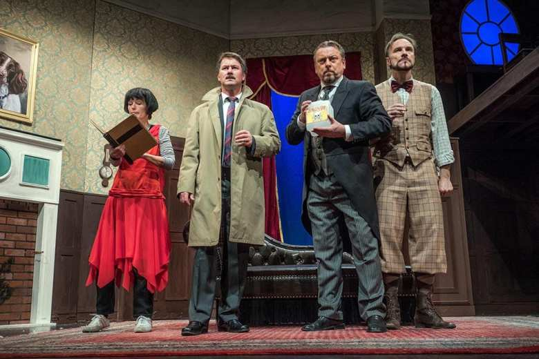 Fritz-Rémond-Theater Chaos auf Schloss Haversham - The Play that Goes Wrong
