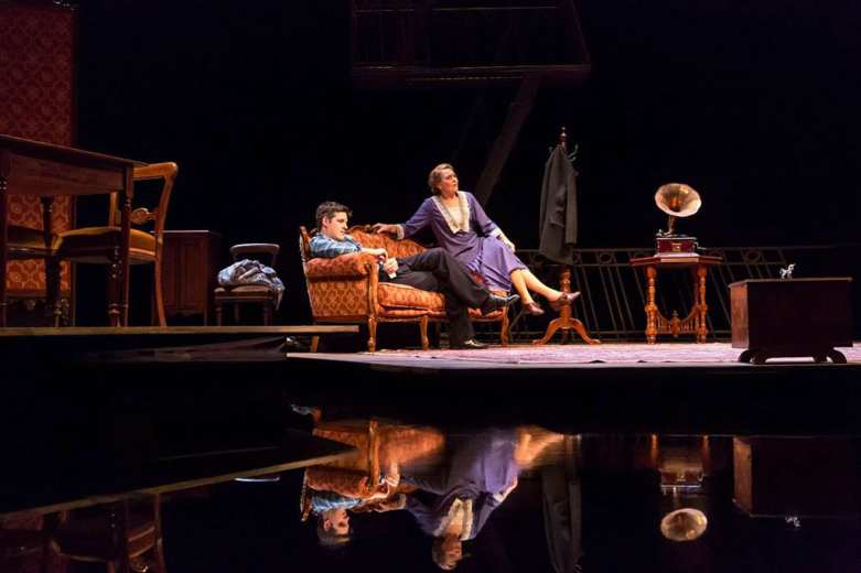 The Glass Menagerie Duke of York's Theatre. Photo Johan Persson
