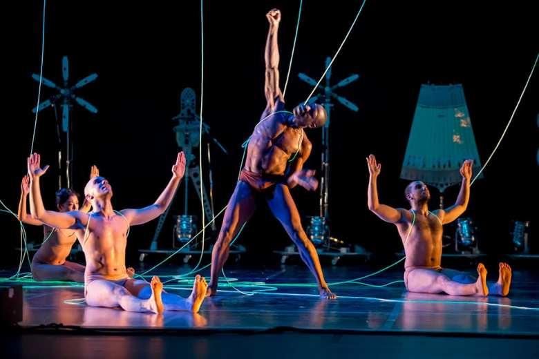 ROBOT. Blanca Li Dance Company. Barbican Centre photo credit Laurent Philippe