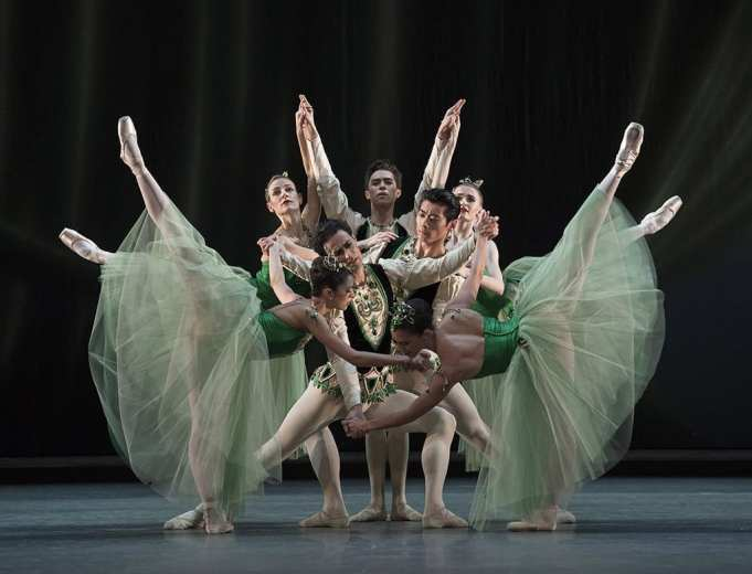 Royal Ballet in Jewels. cROH, 2017. Photographed by Alastair Muir.
