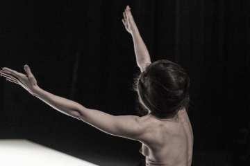 Le Récital des Postures Yasmine Hugonnet
