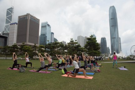 20150502 - Cora Tamar Park Yoga II - 093