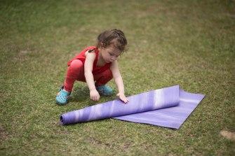 20150502 - Cora Tamar Park Yoga II - 709