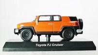 1-64 Kyosho TOYOTA - FJ Cruiser - Orange - 01