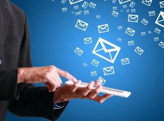 waktu tepat mengirimkan email