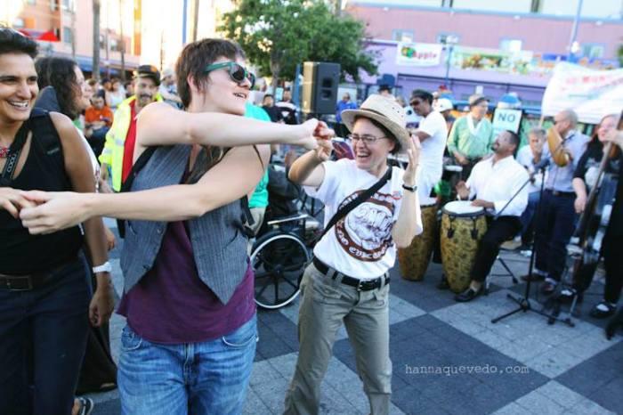 Susana y su Orquesta Adelante had us dancing! Photo by Hanna Quevedo Photography.