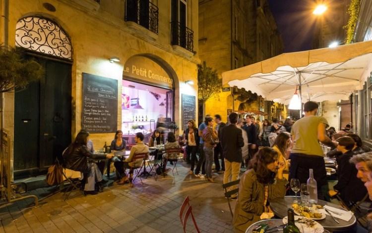 Bordeaux - Vieux-Bordeaux-rue-du-parlement-Saint-Pierre-by-night