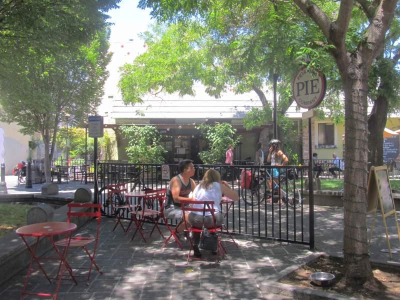 Putnam Plaza interior