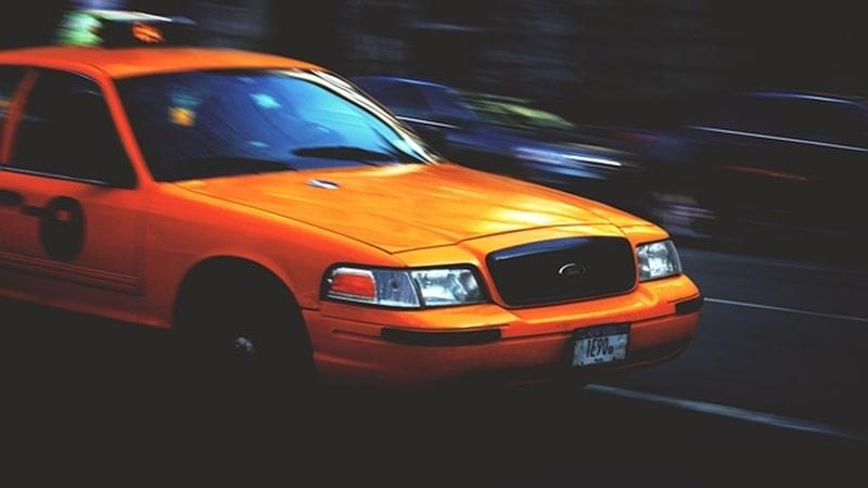 タクシーメーター高速と一般道では違うの?下道とどっちが安い?帰りの料金は?