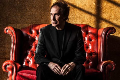 RAY DAVIES NEVER WANTED TO BE A SINGER