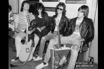 Ramones 1975- photo © by Bob Gruen