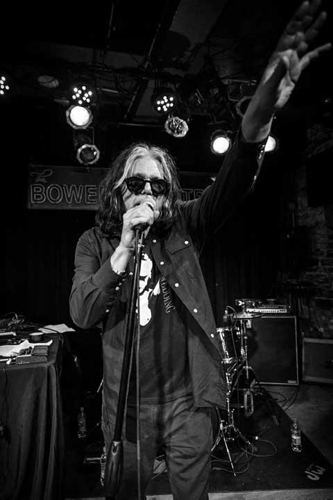 Bob Bert singing at Suicide Sally, Jan 2018 - Photo by Johan Vipper