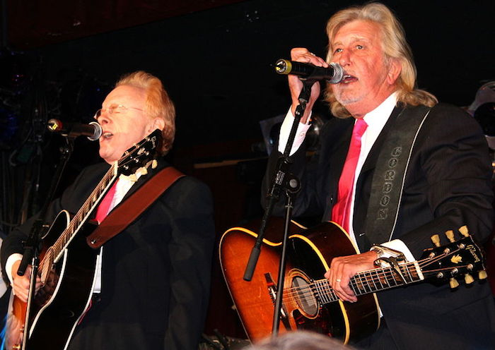 : Peter & Gordon 2005 benefit for Mike Smith. By Peter Grad via Wikimedia Commons